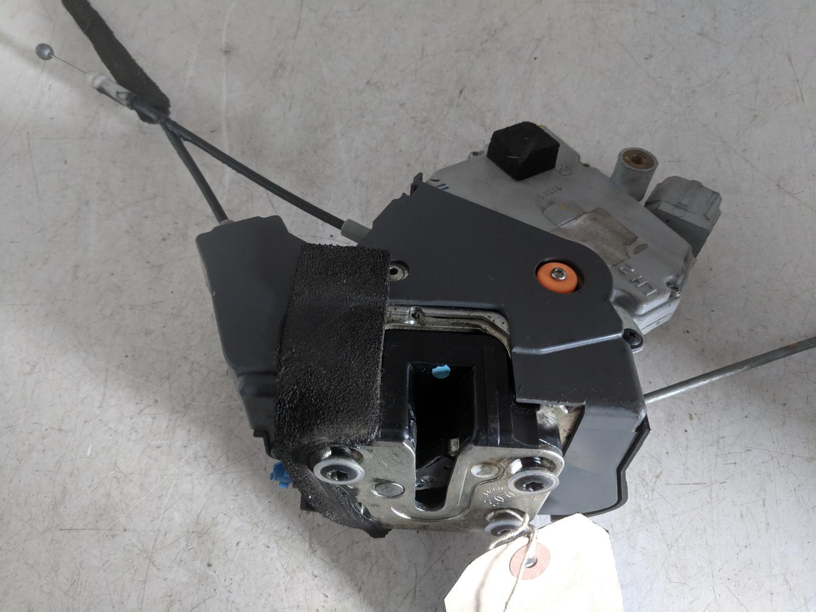 View Auto part Door Lock Assembly NISSAN GTR 2011