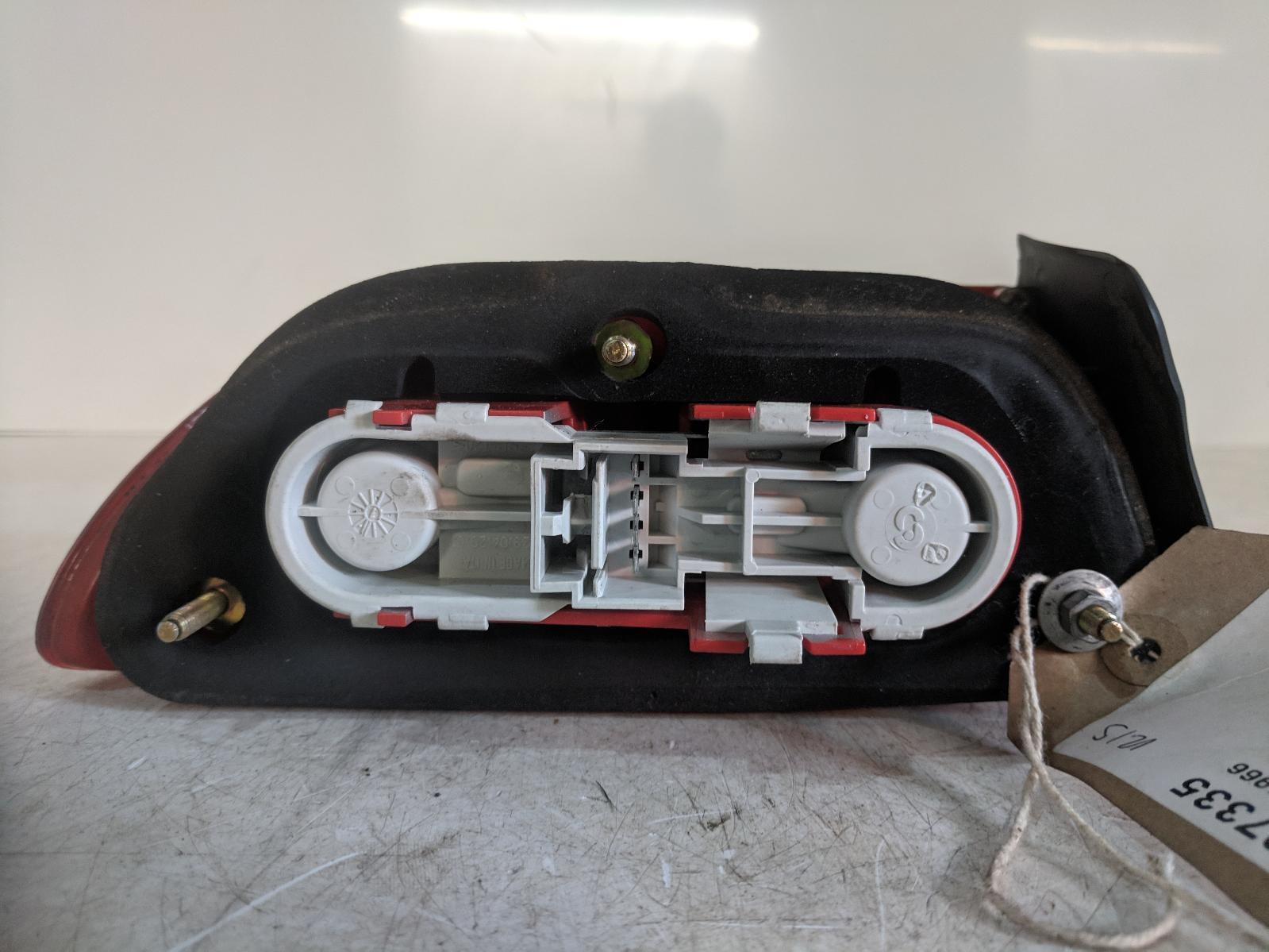 View Auto part R Taillight ALFA ROMEO 156 2001