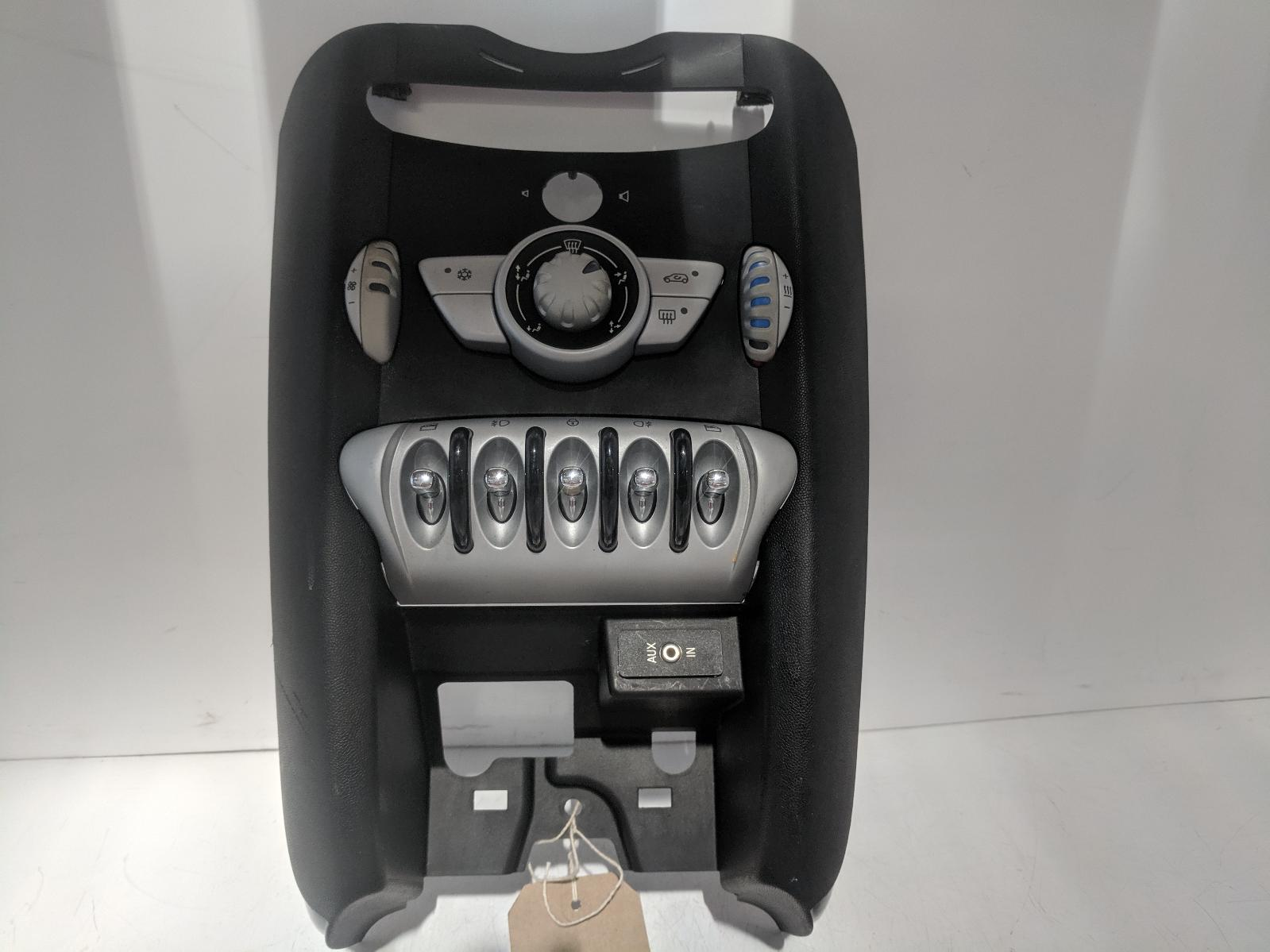 View Auto part Heater/AC Controller MINI (BMW) MINI 2008