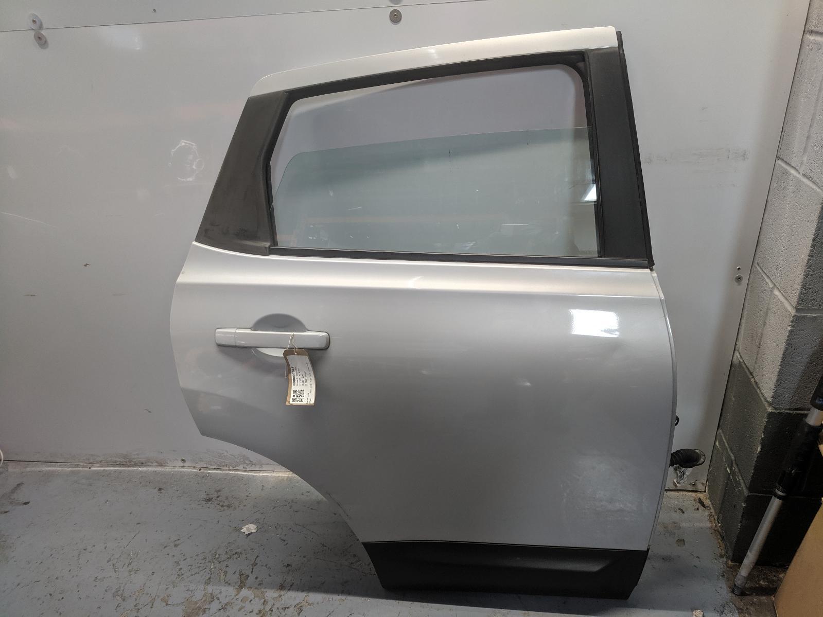 View Auto part R Rear Door NISSAN QASHQAI 2007