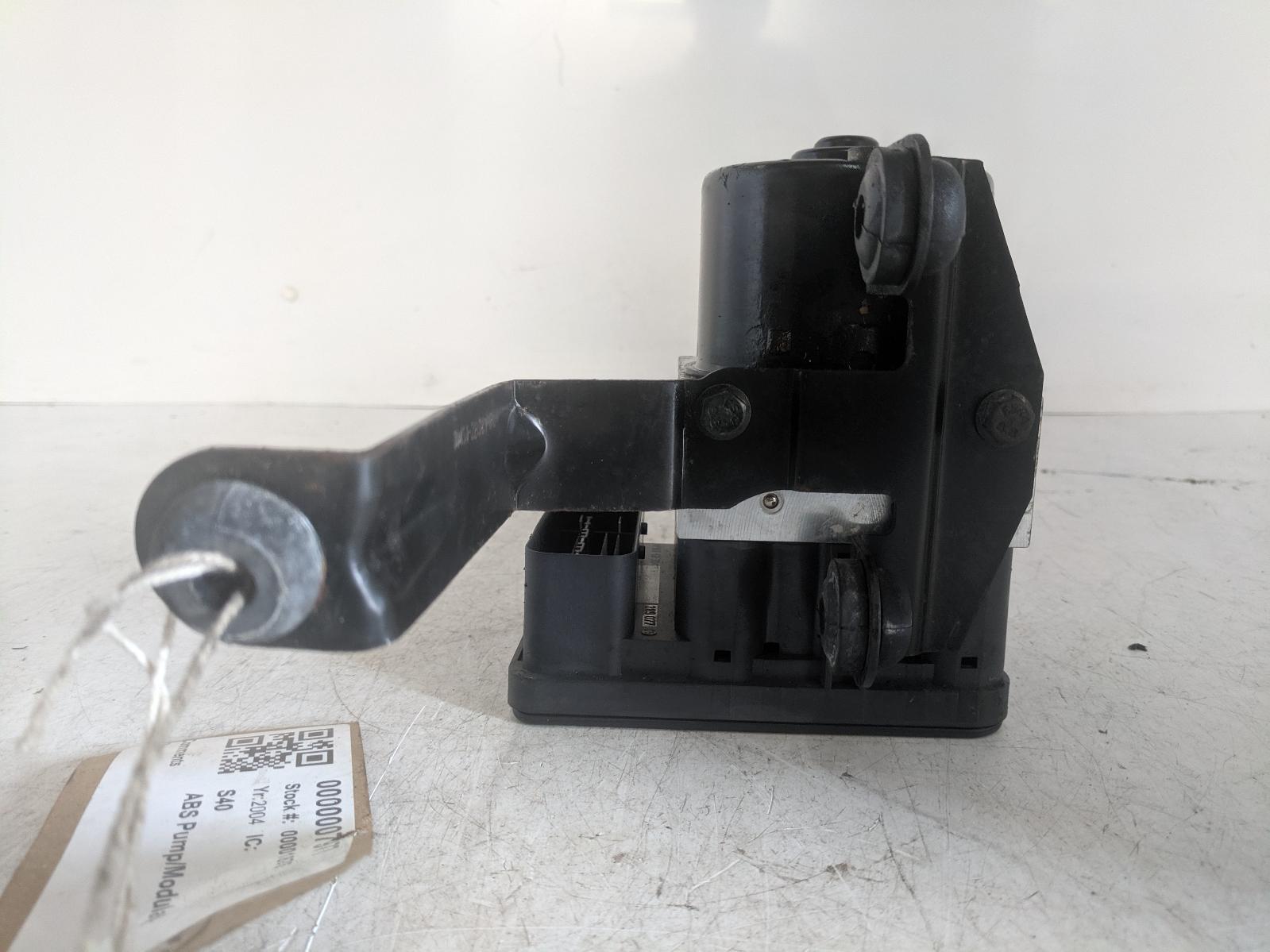 View Auto part ABS Pump/Modulator VOLVO S40 2004