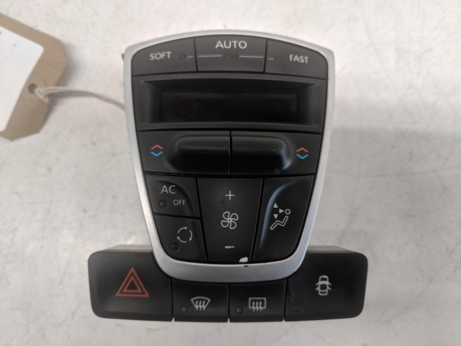 View Auto part Heater/AC Controller RENAULT LAGUNA 2010
