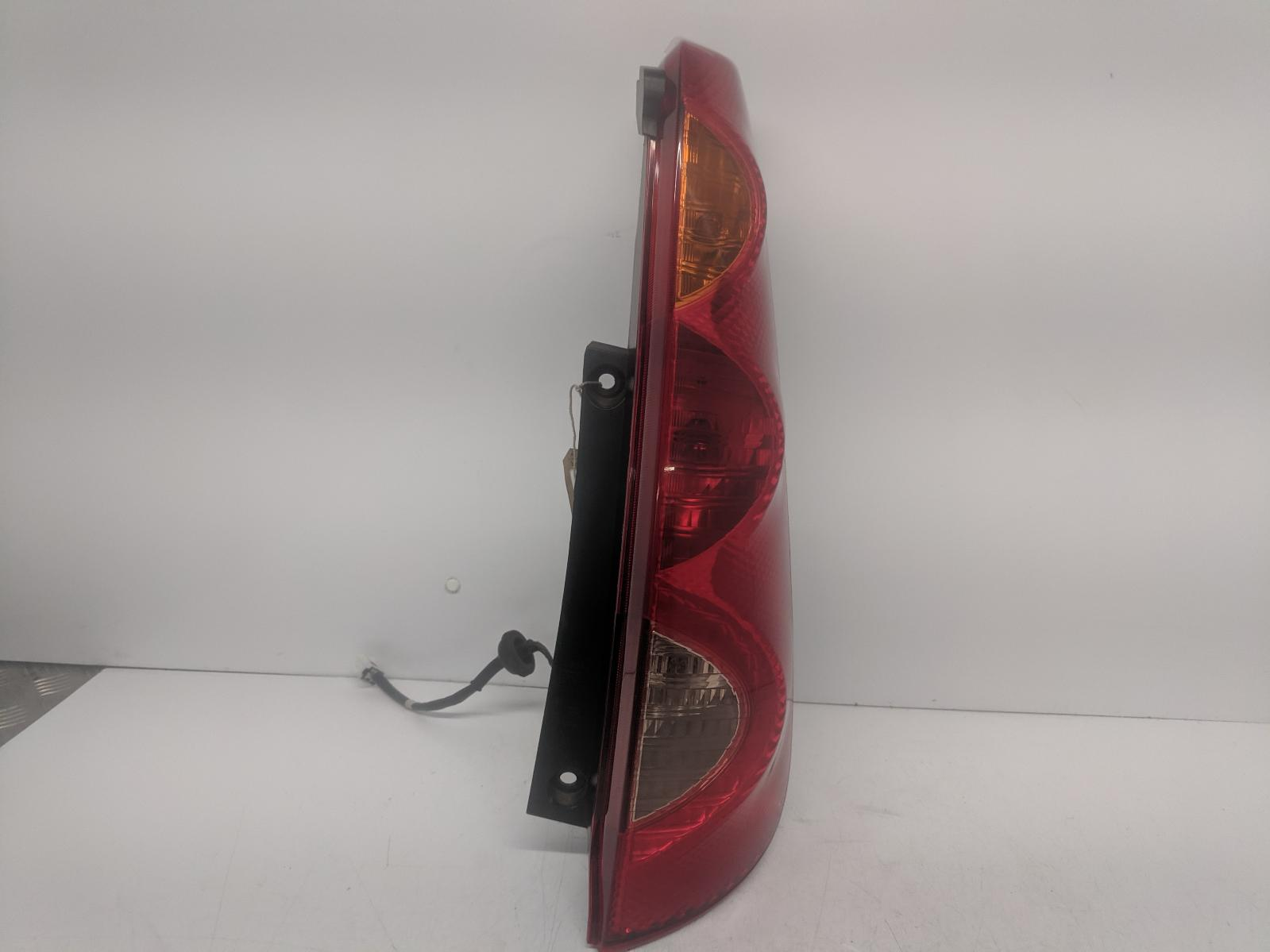 View Auto part R Taillight NISSAN NOTE 2007