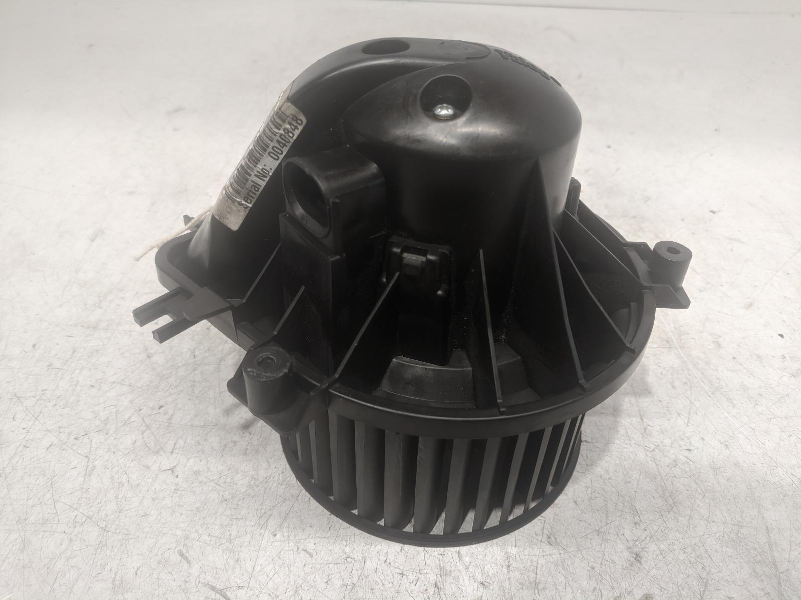 View Auto part Heater Motor/Assembly MINI (BMW) MINI 2002