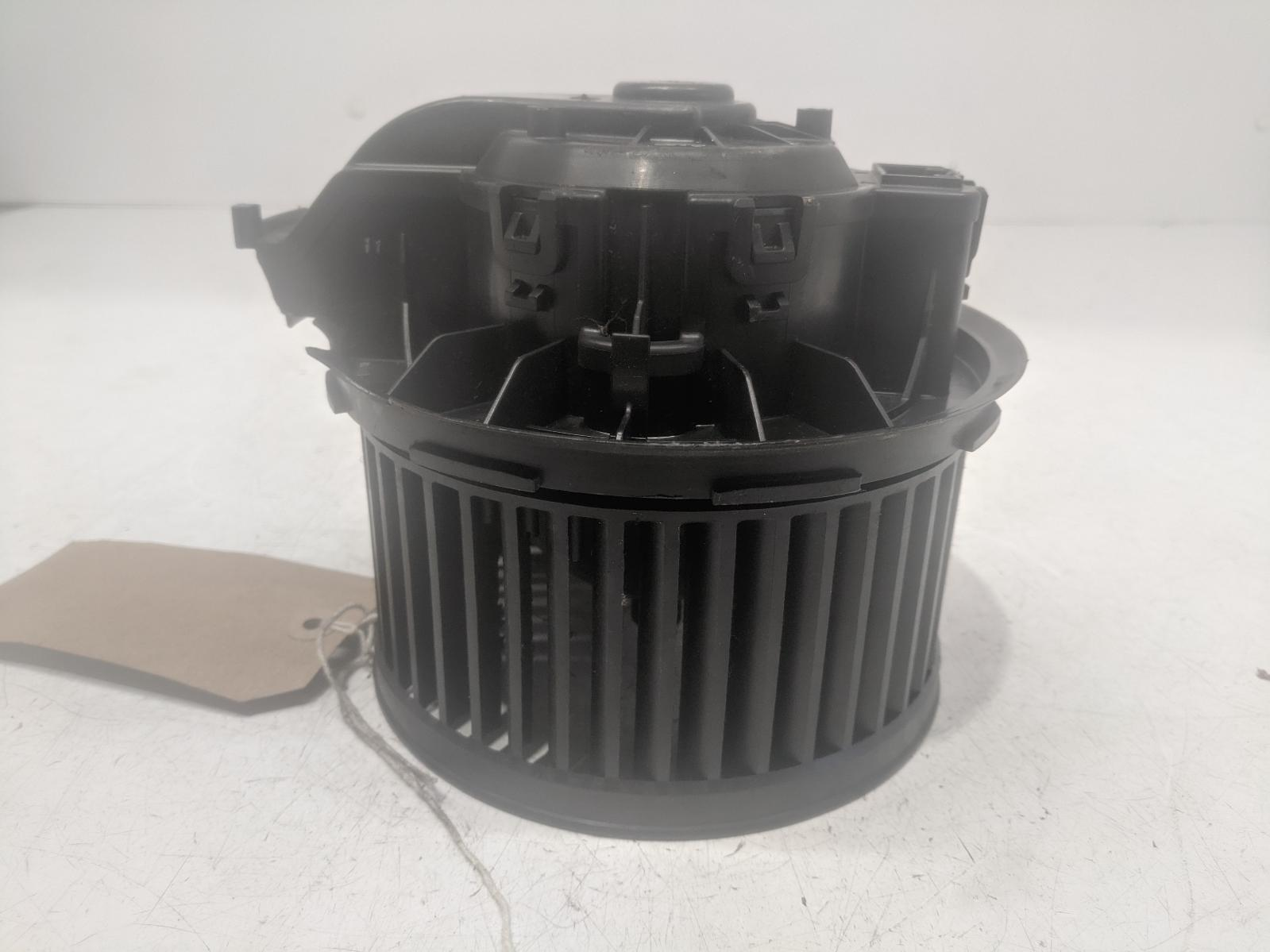View Auto part Heater Motor/Assembly VOLKSWAGEN UP 2013