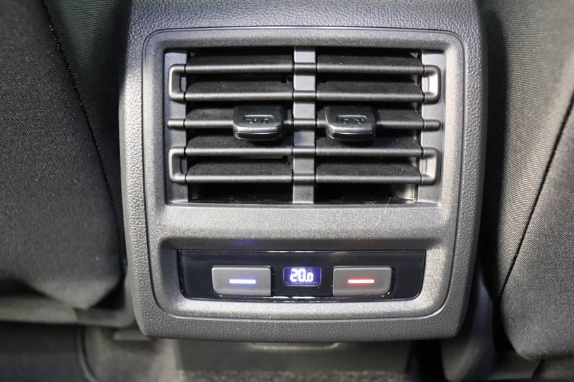 VW NEW Golf VIII - 1.5 eTSI Style DSG