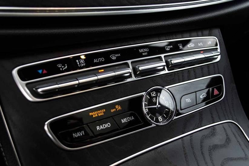 Mercedes E - 300de AMG-Line 9G-Tronic