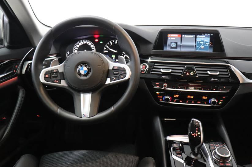 BMW 5 - 520iA Sport Line