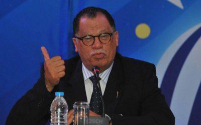 SAFA President sings coach Broos' praises