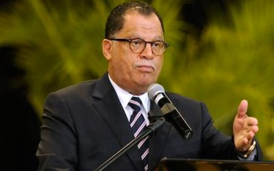 Fans in the stands and good luck wishes for Bafana from SAFA President Dr. Danny Jordaan