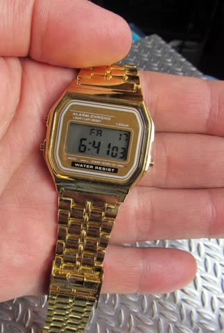 Digitale Armbanduhr LCD-Anzeige