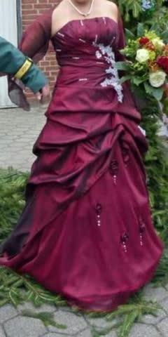 Abendkleid bordaux