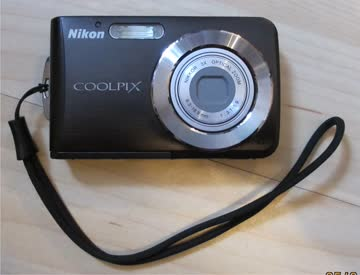 Nikon Coolpix S210 Digitalkamera (8 Megapixel, 3-fach opt.Z.