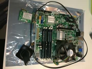 Motherboard IPIEL-LA3 komplett