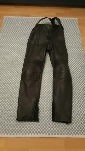 Motorradhose aus Leder, ist ein schnäppchen.