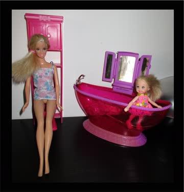 Mattel Barbie Badezimmer Einrichtung WC & Badewanne & Kästch günstig ...