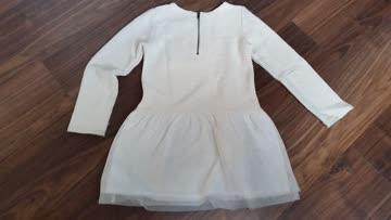 Kleid, langärmlig, GR 128, mit Design-Stick