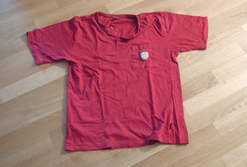 Rotes Pyjama-Oberteil / Herren / Grösse M