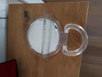 Spiegel mit Vergrösserung
