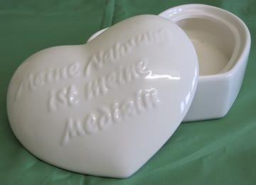 Keramik Herz mit Aufschrift .Meine Nahrung ist meine Medizin