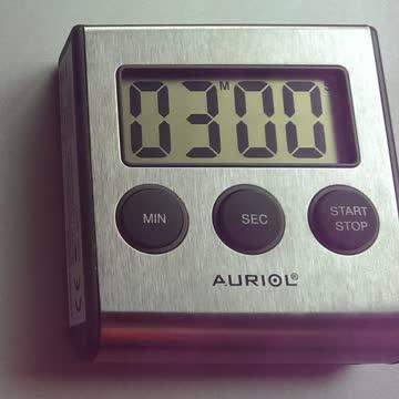 Kurzzeitmesser mit Magnethalter
