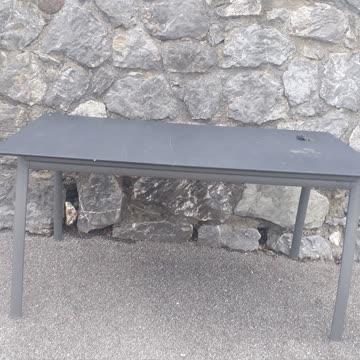 Metall Tisch