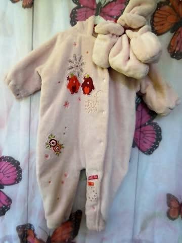 Gr68/74 flauschiges Babyanzügli mit Fusslingen und Kaputze
