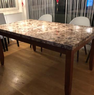Tisch mit Faux Marmor