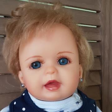Baby Sarah Schmusewichtel...