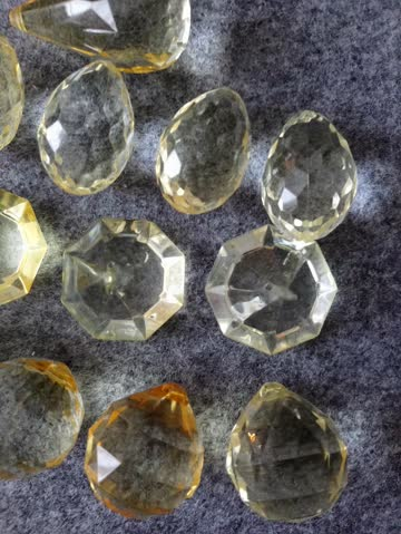 Acryl-Facetten-Steine 16 Stck.