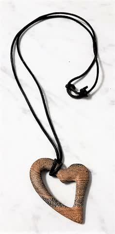 2 Halsketten mit Anhänger - 2 Schmuckkugeln