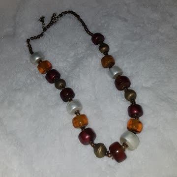 Schöne Halskette, neuwertig