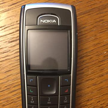 Nokia 6230 mit Ladegerät und 32MB Speicher