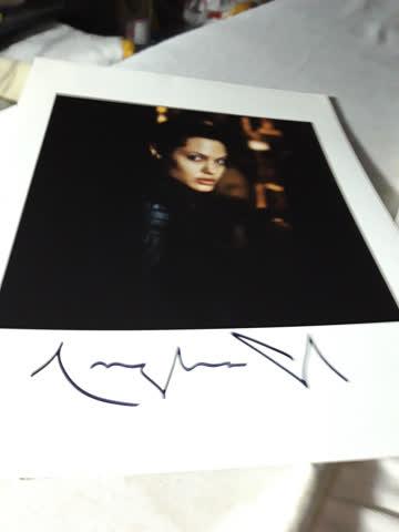 Originalautogramm von Angelina Jolie