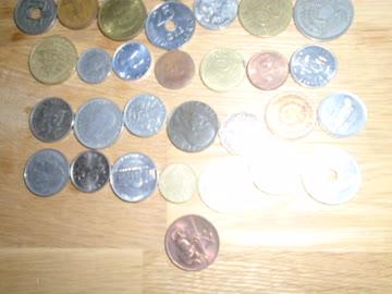 57 ausländische Münzen