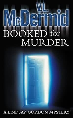 Booked for Murder (Lindsay Gordon Crime Series, Band 5)