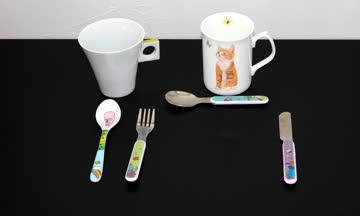 Kinder Besteck & 2 Tassen