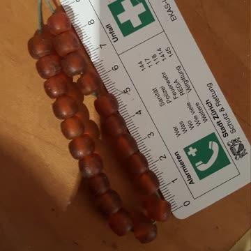 Bernsteinfarbene Perlenkette