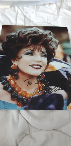 Originalautogramm von Joan Collins