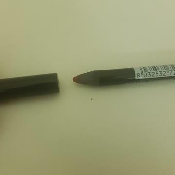 Lip Pencil , Ost