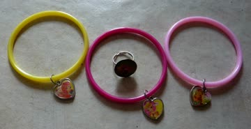 3 Winx Armbänder und 1 Ring