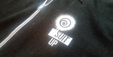 1x Sweater von Ubisoft / dunkelgrau / mit weissem Motiv