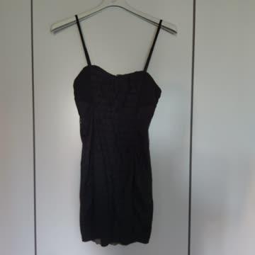 Schwarzes Kleid Grösse M