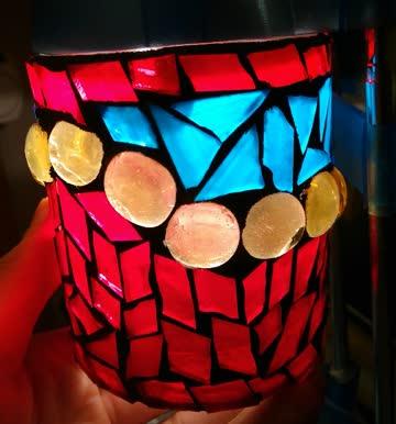 Hübscher bunter Kerzenhalter