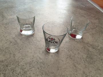 3 Vodkagläser