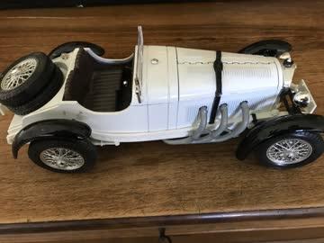 Bburago - Mercedes Benz 88K Weiss