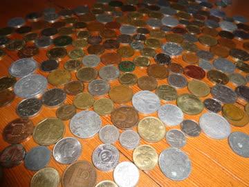 179 ausländische Münzen - Wert unbekannt