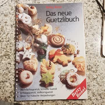 Das neue Guetzlibuch / Betty Bossi