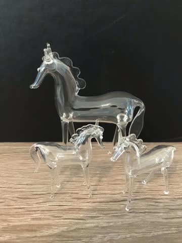 3 Pferde aus Glas