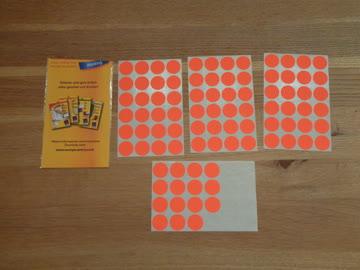 Orange Klebepunkte